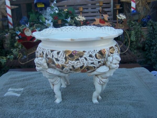 Ardalt Signed Made in Italy bowl with 4  cherubs for legs Beautiful