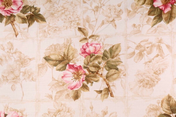 Fabric Robert Allen Beacon Hill Rosa Canina Berry Floral Linen Drapery HH16