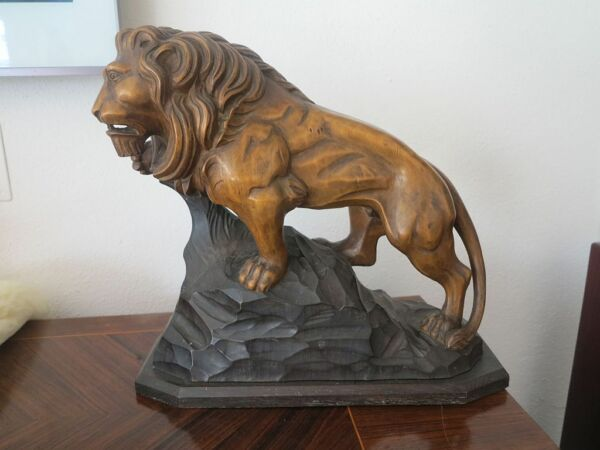 hand carved wood german lion  black forest hunt