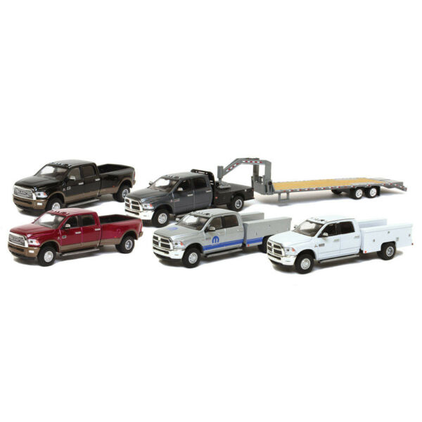 1/64 2018 Ram 3500 Dually, Gooseneck, NEW FROM GREENLIGHT