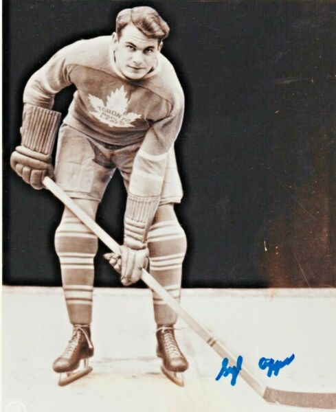 SYL APPS AUTOGRAPHED 8x10 B&W PHOTO DECEASED 1998 SIGNED COA MAPLE LEAFS NHL HOF