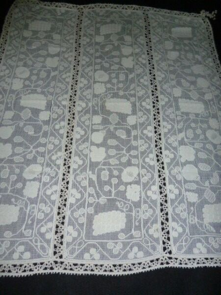 FAB Antique Vintage ITALIAN BURATTO Lace Table Cover 35 x 42
