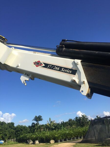 2004 Volvo tpl axle w knuckle boom IMT 37266 with jib