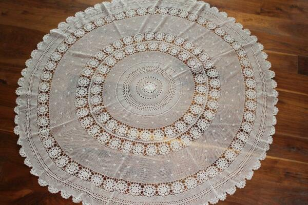 RARE VINTAGE 1940'S-1950'S COTTON HAND CROCHET LACE TABLE CLOTH 71 INCH DIAMETER
