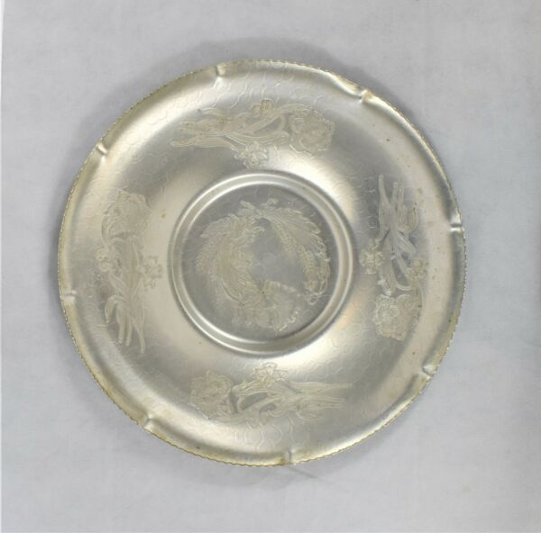 Gailstyn Aluminum Hand Wrought Vintage 1950#x27;s Rose Pattern Tray Preowned