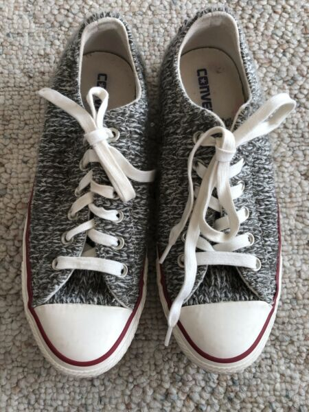 Converse All Star Chuck Taylor Womens Wool Ox Low Sneakers...Size 8 US.