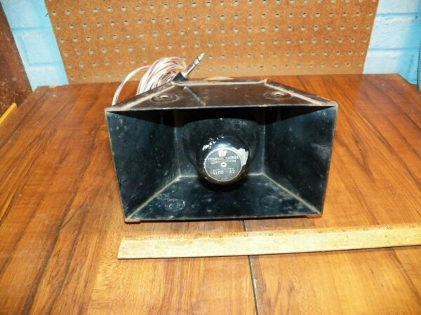 Vintage FEDERAL SIGNAL CPRP. Speaker Model TS100 Series A2 Untested