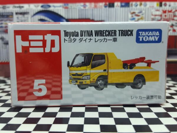TOMICA #5 TOYOTA DYNA WRECKER TRUCK NEW IN BOX