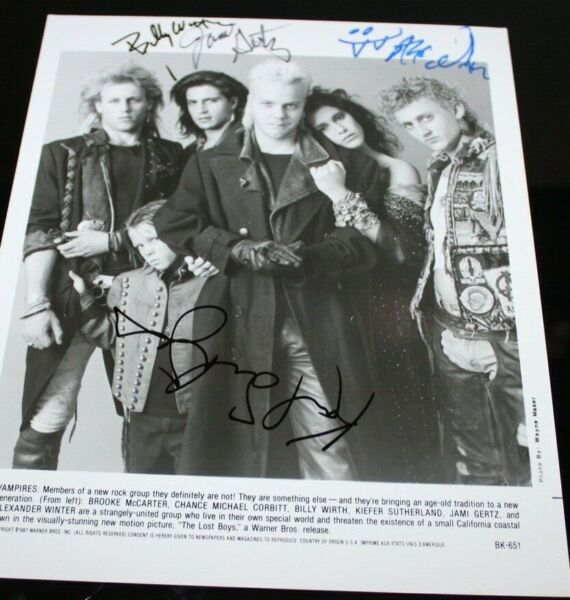 THE LOST BOYS CAST X4 ORIGINAL HAND SIGNED AUTOGRAPH #325 PHOTO PHOTOGRAPH