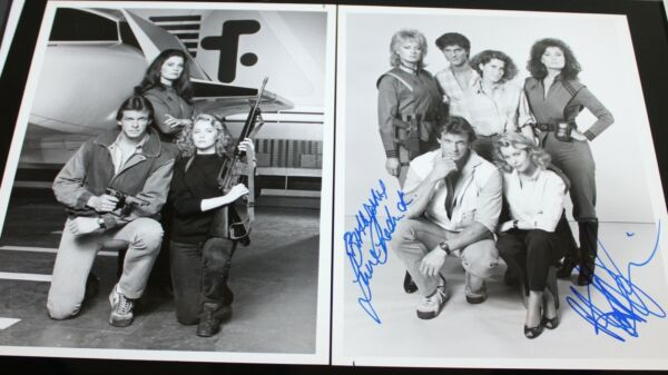 V TV SHOW JUNE CHADWICK CAST X2 HAND SIGNED AUTOGRAPH #125 PHOTO PHOTOGRAPH