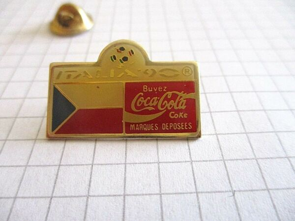 FLAG CZECH REPUBLIC WORLD CUP FOOTBALL ITALY 90 COCA VINTAGE LAPEL PIN BADGE us3