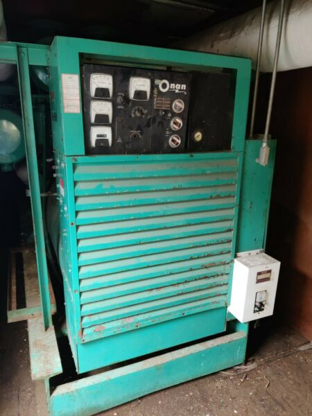 onan generator 1000kw in side a trailer 480v 1323 amps 3phase