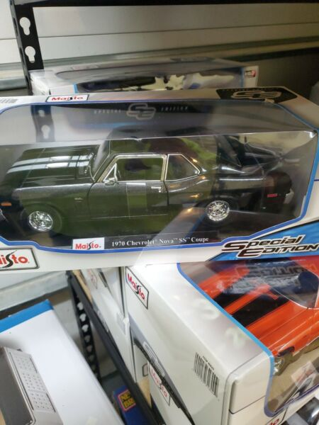 Maisto Special Edition 1:18 Scale Die Cast Vehicle Assorted Style