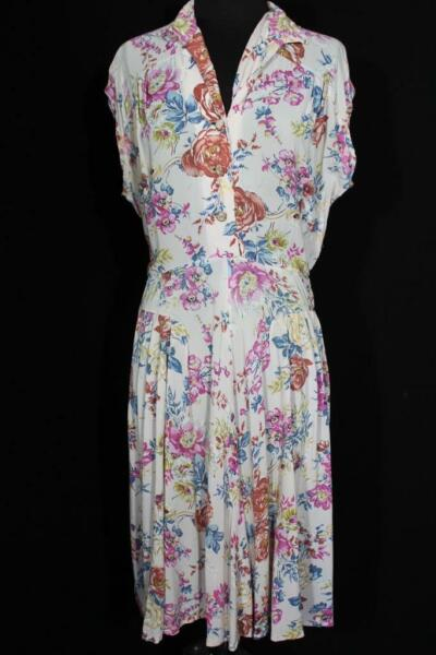 RARE FRENCH VINTAGE WWII ERA 1940#x27;S FLORAL SILKY RAYON PRINT DRESS SIZE 10 12
