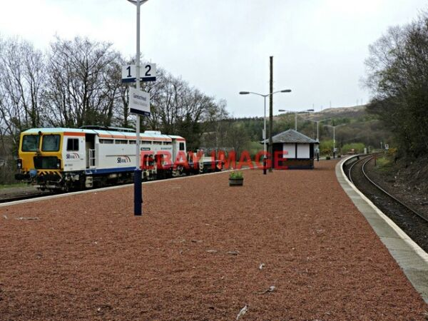 PHOTO GARELOCHHEAD RAILWAY STATION LOOKING NORTH TOWARDS THE OLD SIGNAL BOX. TH