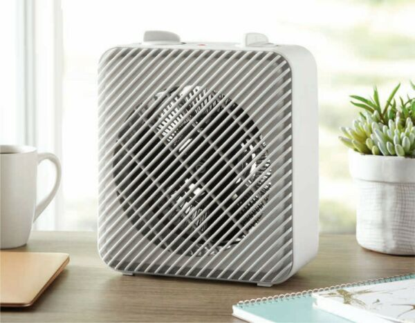 Pelonis Fan Forced Heater Adjustable Thermostat 3 heat 1 fan mechanical 1500W $19.50