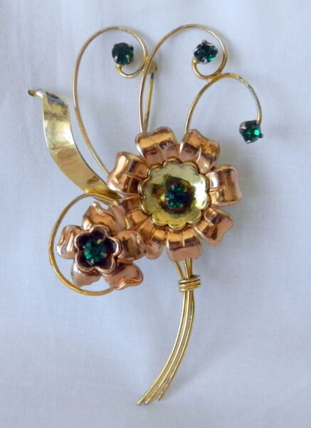 LOVELY HARRY ISKIN 120 10K GOLD W EMERALD GREEN CRYSTALS FLOWER PIN  BROOCH