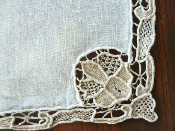 12 Vintage Linen & Needle Lace Table Napkins Gorgeous
