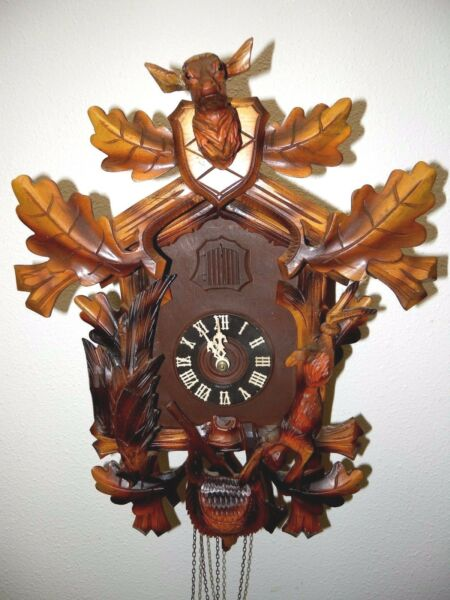 Vintage Black Forest Cuckoo Clock Deer Crest Hunters Theme