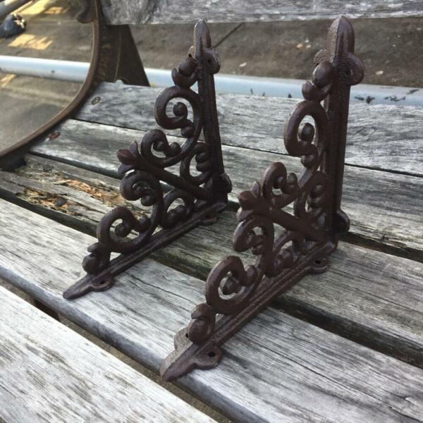 Lot2 Antique Style 6