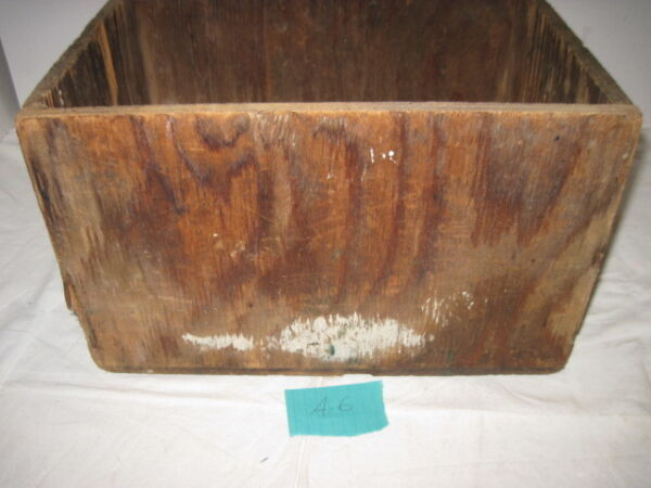 A 6 OLD WOOD WOODEN UNKNOWN SOLID CRATE BOX STORAGE