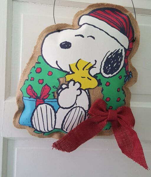 Peanuts Gang Woodstock Snoopy Dog Christmas Burlap Wall Hanging Door Decoration