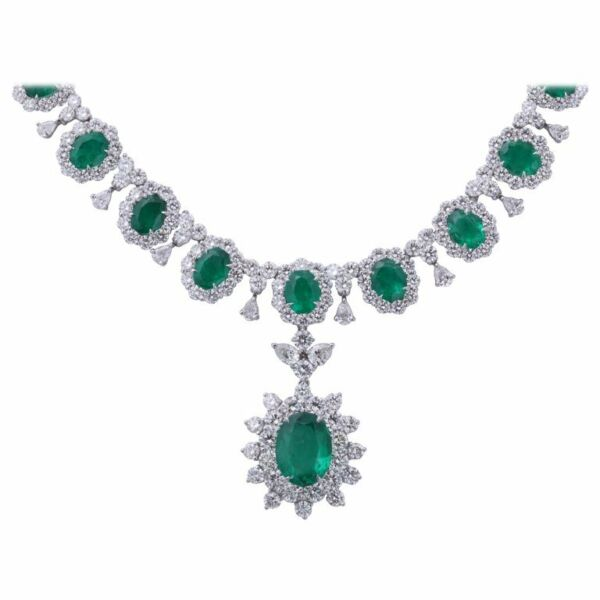 emerald and diamond necklace. 39.09 carats of fine green emerald lariette