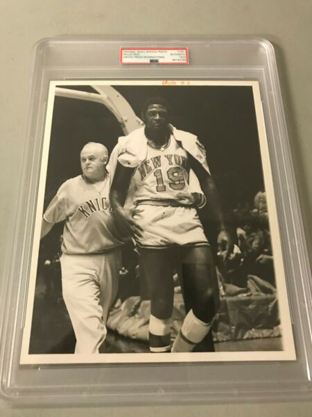 HISTORIC NY Knicks Willis Reed United Press PSADNA Type 1 Photo 1969 NBA FINALS