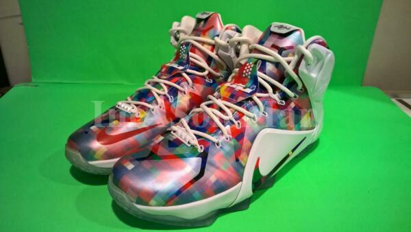 NEW NIKE LEBRON XII EXT PRISM FINISH YOUR BREAKFAST SZ 10.5 FRUITY PEBBLES 12 7