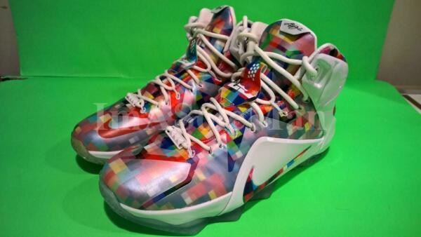 NEW NIKE LEBRON XII EXT PRISM FINISH YOUR BREAKFAST SZ 9.5 FRUITY PEBBLES 12 7