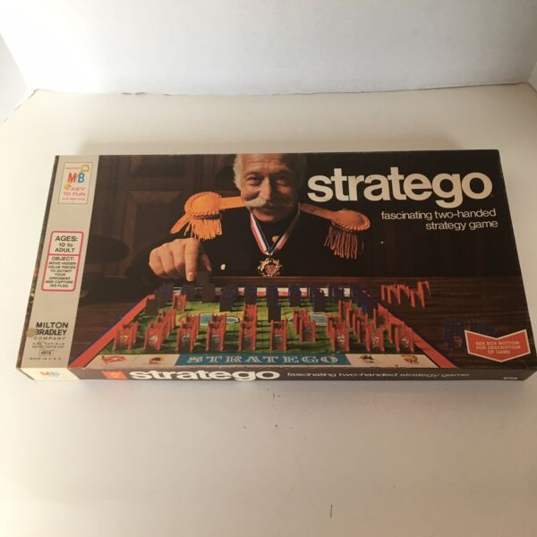 STRATEGO Vintage 1977 Milton Bradley Board Game War Strategy Complete 4916