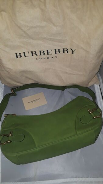 Burberry Green Leather Purse Bag Stunning $175.00
