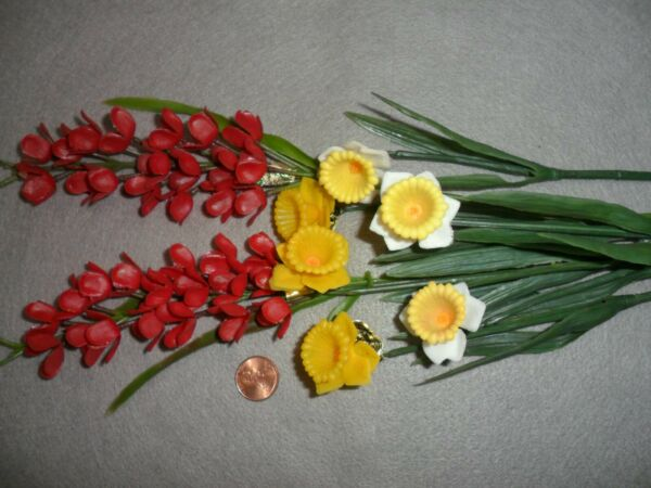 Vintage Plastic Small Spring Flowers Daffodils and Red Flowers Stems