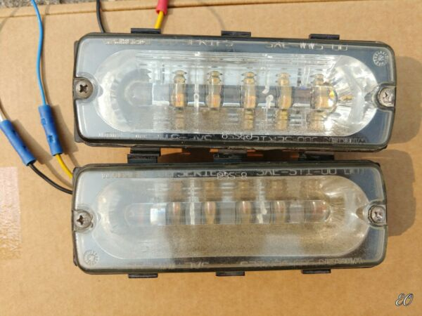 Pair Of Whelen 500 Series Amber LIN6