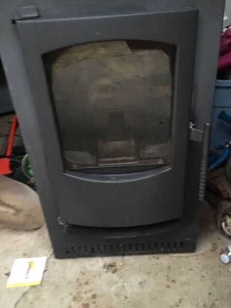 Pellet Stove  Castle Serenity 1500 sq ft coverage; auto ignite ash vac incl $900.00