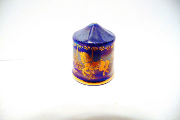 THIMBLE PORCELAINBOW ENGLAND quot;THE CAROUSELquot; TCC 8 94 HTF BEAUTY