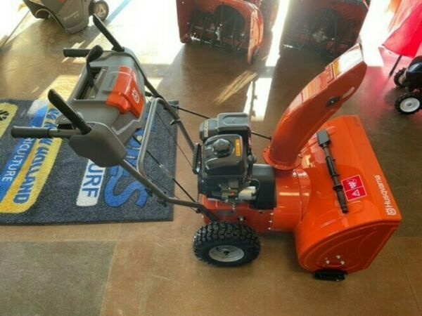 2020 HUSQVARNA ST 124 TWO STAGE GAS SNOW BLOWER 970449301
