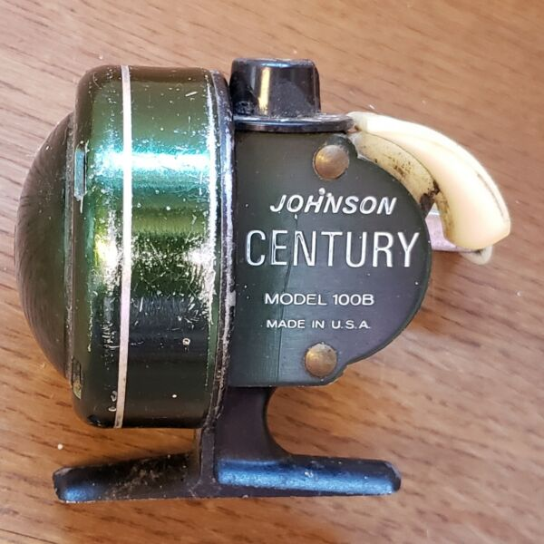 VINTAGE Johnson CNETURY Model 100B FISHING REEL Made in USA