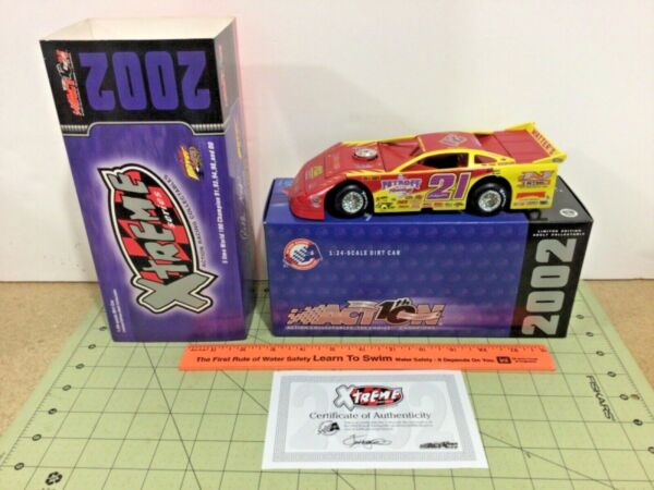 Action 1:24 Billy Moyer 2002 dirt track late model Race Car $99.95