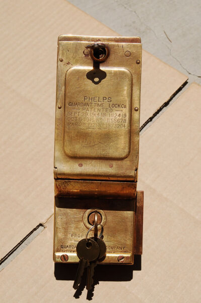 Vintage Antique phelps guardant Time Security Lock Lockset Liar Box 1914 + Keys