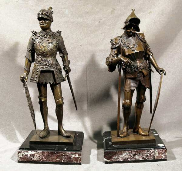 PAIR OF BRONZE 16thC GERMAN KNIGHTS INSCRIBED H MULLER & P DISHER 23