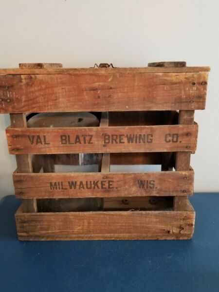 (VTG) 1900s BLATZ BEER WOODEN WATER BOTTLE CRATE WITH LID ANTIQUE ADVERTISING