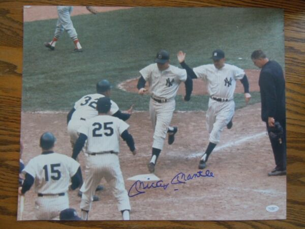 MICKEY MANTLE NEW YORK YANKEES HOME RUN AUTOGRAPHED PHOTO 16