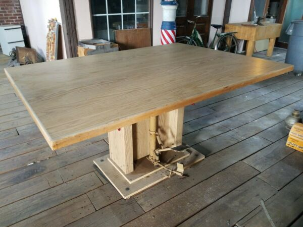 Hausmann Industries Foot Pedal Operated Hydraulic Work Table Fully Functional