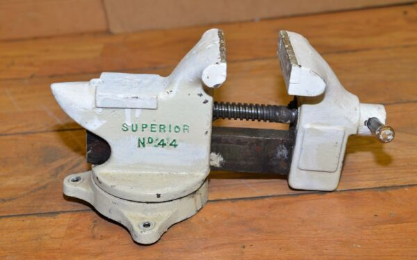 Erie Tool Works Superior # 44 anvil swivel base blacksmith vise collectible tool