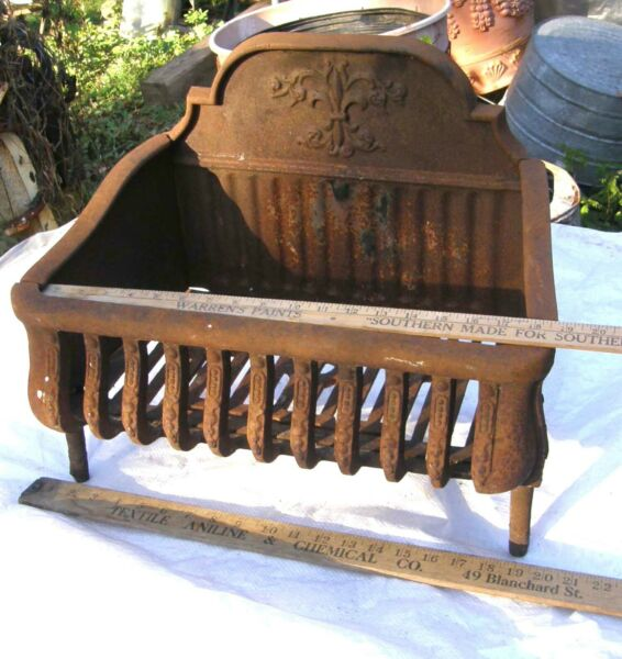 ANTIQUE DECORATIVE CAST IRON FIREPLACE BOX GRATE COAL WOOD INSERT 20