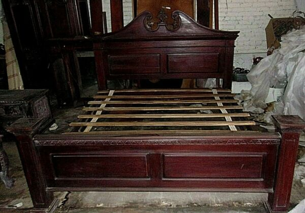 Hand carved MAHOGANY KING SIZE BED EXCELLECT QUALITY BEAUTIFUL 92