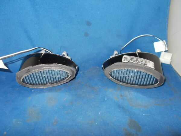 WHELEN LED LIGHTS 2 P N...01 0771280 20 28 VOLT