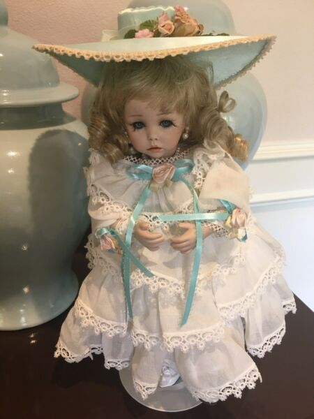 """MINT Condition Dianna Effner Doll The Ultimate Collection """"Hilary"""" (1987)"""