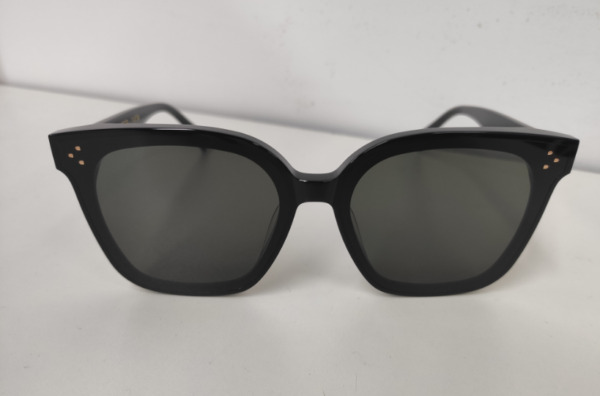 New 20SS Gentle Monster Oversize Square Fashion Sunglasses mod : HER col : 01 $96.90